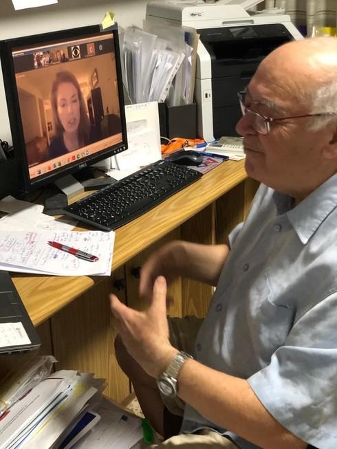 El profesor Dov Shvarts de la Universidad Ben-Gurion entrevistado por CBS-TV sobre la actividad del coronavirus en las escuelas de Israel.