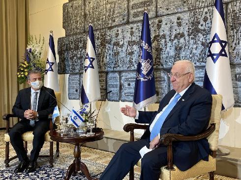 Sergio Urribarri en oportunidad de ser recibido por el presidente de Israel, Reuven Rivlin.