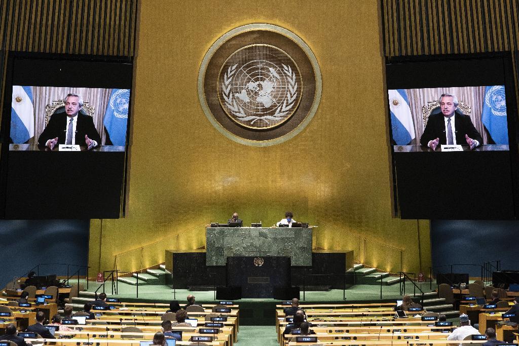 El discurso del presidente argentino es transmitido al pleno de la asamblea en Nueva York.