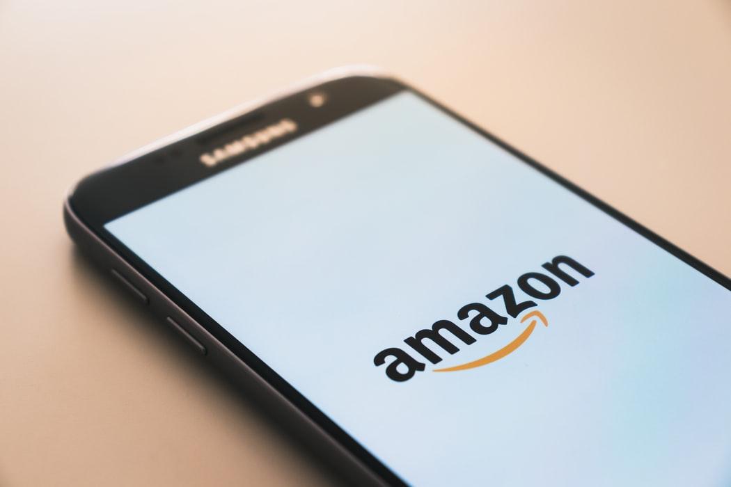 App de Amazon en un smartphone.