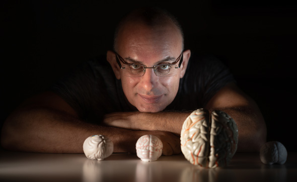 Dr. Oren Shriki, del Departamento de Ciencias Cognitivas y Cerebrales de la Universidad Ben-Gurion.