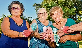 "Las ""abuelas tejedoras""."