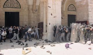 Incidentes en el Monte del Templo el día después de la visita de Ariel Sharon.