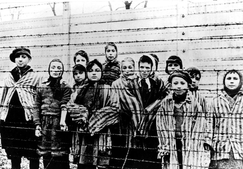 Niños en Auschwitz en el momento de la liberación del campo en 1945.
