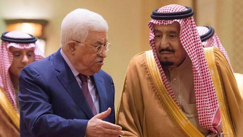 Mahmoud Abbas, presidente de la Autoridad Palestina, en un encuentro con el rey Salmán bin Abdulaziz.