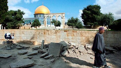 Piedras rotas durante los trabajos del Waqf en el Monte del Templo.