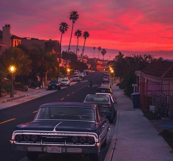Foto tomada por Troy Bronson de un atardecer en California.