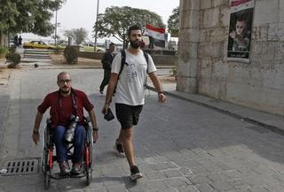 Ahmad y Sadr, juntos por las calles de Siria.