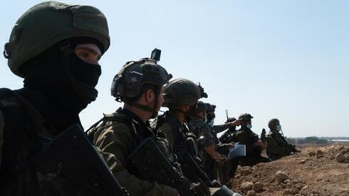 Combatientes de las FDI en la frontera con Gaza.