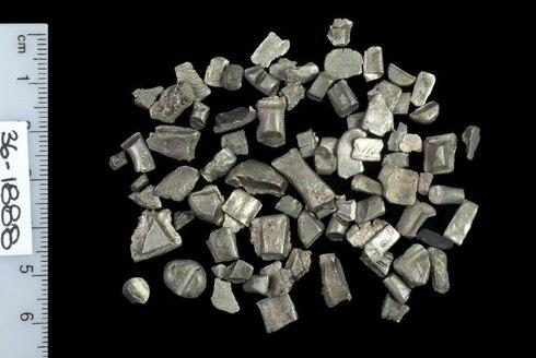 Piezas de plata con altos porcentajes de cobre hallados en Israel.