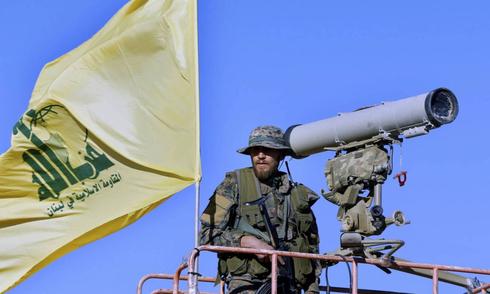 Terrorista de Hezbollah en el sur de Siria, cerca de la frontera con Israel.