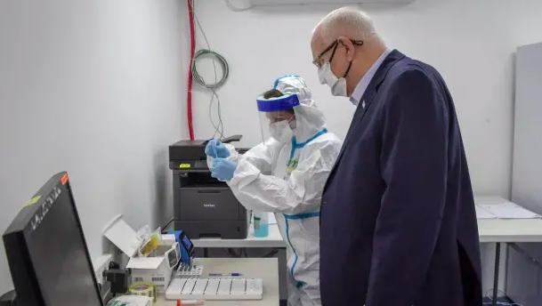 Reuven Rivlin, presidente de Israel, será el primer presidente en ser inoculado con la vacuna.