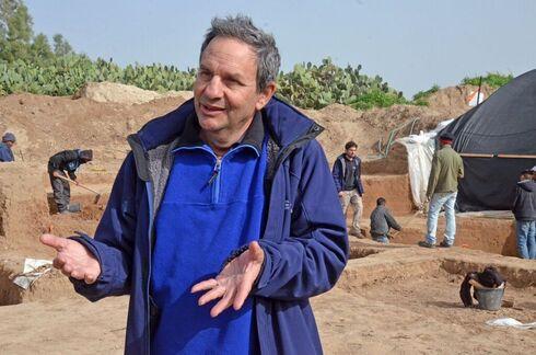 Dr. Yanir Milevsky.