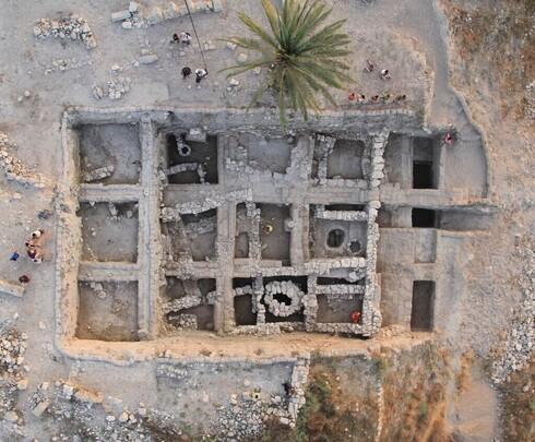 Sitio de excavaciones arqueológicas en Tel Megido.