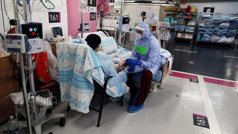 El estacionamiento de Rambam Health Care Campus en Haifa convertido en una sala subterránea para pacientes con coronavirus.