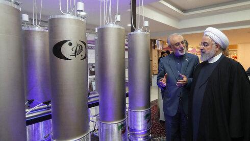 El presidente iraní, Hassan Rouhani, visita una de las instalaciones nucleares del país.