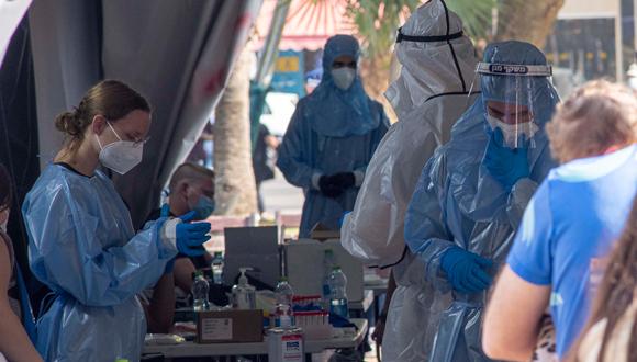 Israel y Pfizer llevan a cabo un ensayo clínico, dice el Comité de Helsinki.