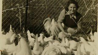 Hannah Szenes en el moshav Nahalal donde estudió agricultura de 1939 a 1941.