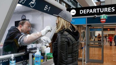 Pruebas de coronavirus en el aeropuerto Ben-Gurion.