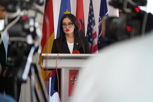 Meliza Haradinaj-Stublla, Ministra dos Negócios Estrangeiros do Kosovo.