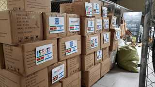 Surinam recibió cinco toneladas de equipo de protección.