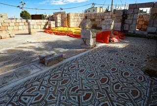 Trabajos de restauración de una iglesia en Rihab, Jordania.