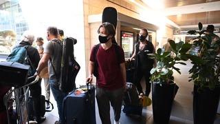Israelíes llegan al aeropuerto Ben Gurion provenientes de Estados Unidos.