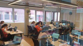 Estudiantes ultraortodoxas en un curso de capacitación en ingeniería de software de Adva.