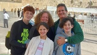 Maximiliano, Paula y sus tres hijos se radicaron en Israel en noviembre de 2020.