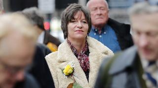 Alison Chabloz llegando al tribunal de Westminter en 2018.