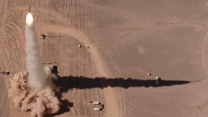 """Ensayo del sistema de defensa aérea """"Barak""""."""