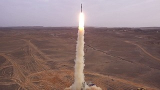 """El sistema de defensa aérea """"Barak"""" puede interceptar un objetivo balístico a una distancia de hasta 150 km."""