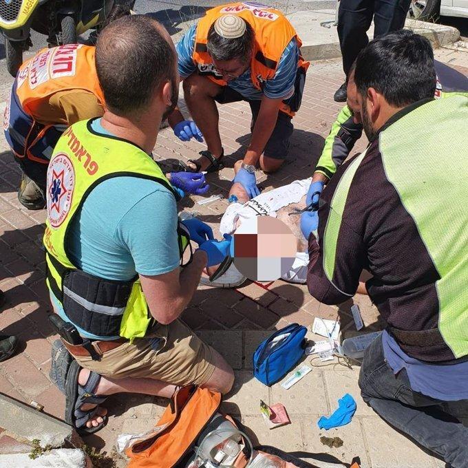 El terrorista fue neutralizado con un disparo y evacuado a un hospital de Jerusalem.