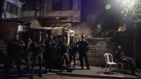 Fuerzas israelíes protegen la vivienda de una familia judía en el barrio Sheikh Jarrah, en Jerusalem Este.