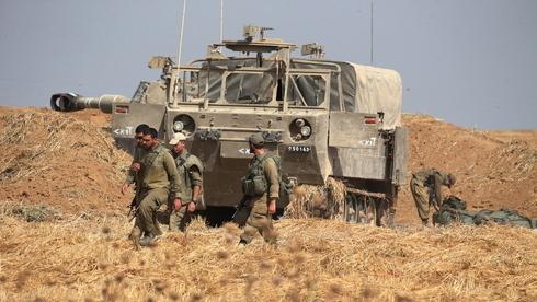 Tropas del Ejército de Israel desplegadas cerca de la frontera de Gaza el martes.