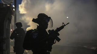 Combatientes de la Policía de Fronteras durante los disturbios del martes en Lod.