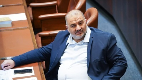 Mansour Abbas, líder del partido islamista Ra'am, en la Knesset el mes pasado.
