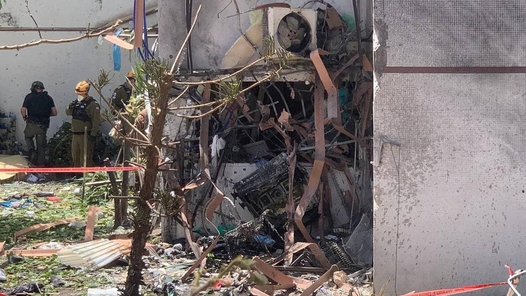 Tres personas resultaron heridas en el impacto del cohete en Ashdod.