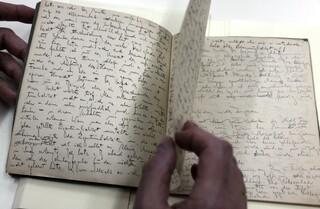 Escrito inédito de Franz Kafka exhibido en la Biblioteca Nacional de Israel, en Jerusalem.