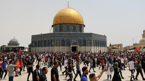 Protesta de palestinos en el complejo de al-Aqsa en Jerusalem el mes pasado.