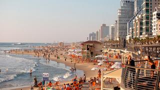 """La """"Tayelet"""", el paseo marítimo de Tel Aviv."""