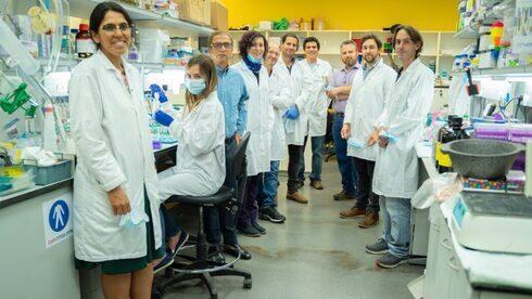 Investigadores de MigVax que trabajan en la vacuna oral.