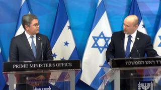 Conferencia de prensa del primer ministro Naftalí Bennett y el presidente hondureño Juan Orlando Hernández.