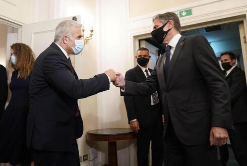 Reunión entre Lapid y el secretario de Estado estadounidense, Antony Blinken, en Roma.