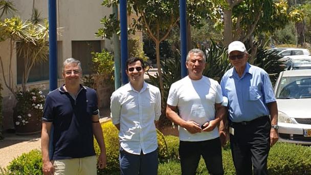 El embajador Urribari, en su visita a Netafim.