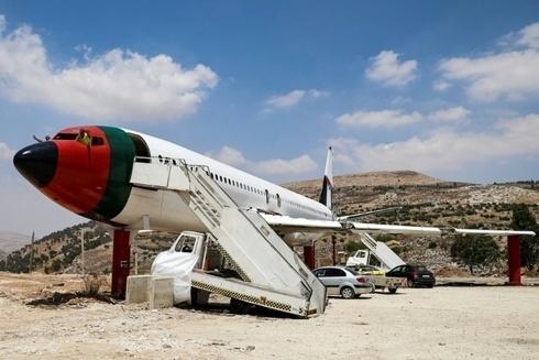 El Boeing 707 devenido restaurante.
