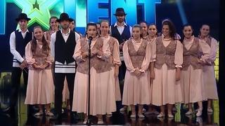 """El grupo """"Naguía"""" en Got Talent Uruguay."""