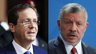 El presidente Yitzhak Herzog (izquierda) y el rey Abdullah de Jordania.