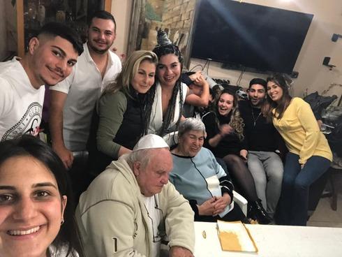 La familia Na'a en un encuentro familiar.