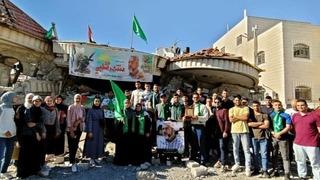 Los estudiantes pertenecientes a Hamás durante su visita a Turmus Ayya.